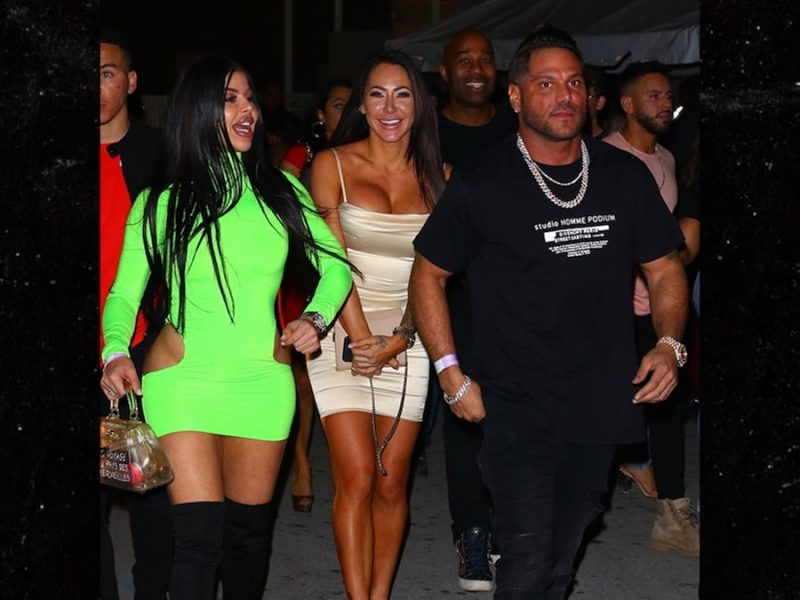 Ronnie Ortiz-Magro Steps Out with Two Babes in Miami After Jen Drama