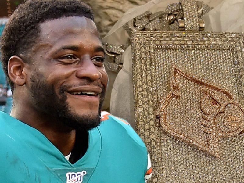 NFL's DeVante Parker Drops $100k to Rep Alma Mater With Diamond Chain