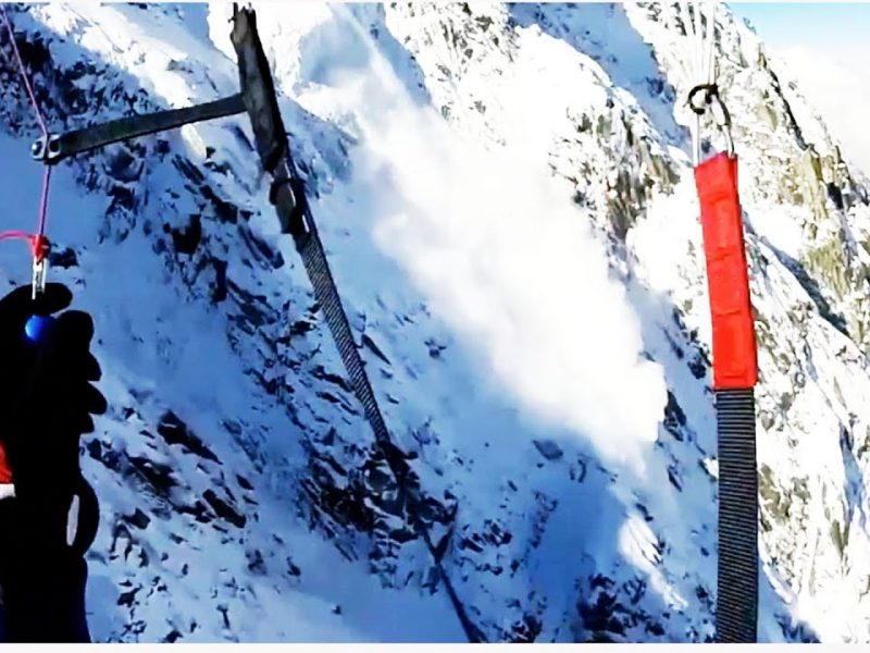 Incredible Paraskiing Causes Avalanche