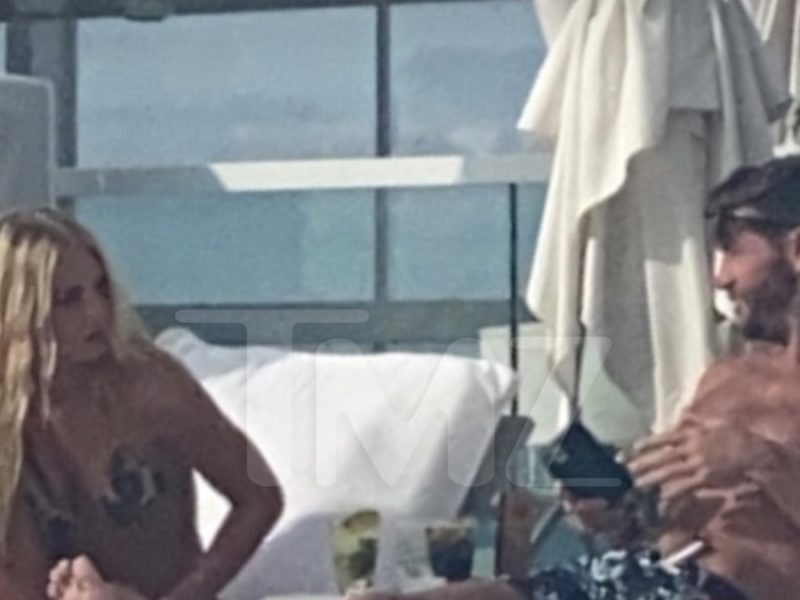 Jay Cutler Seen Chatting Up Hot Blonde in Miami Days Before Kristin Pic