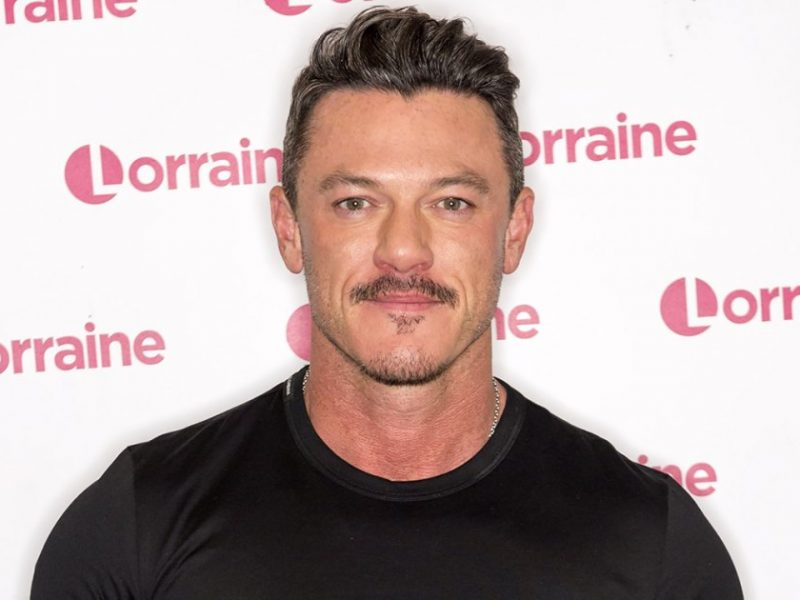 Luke Evans Reveals Toned Body After 8 Months of Work: Before and After Pics